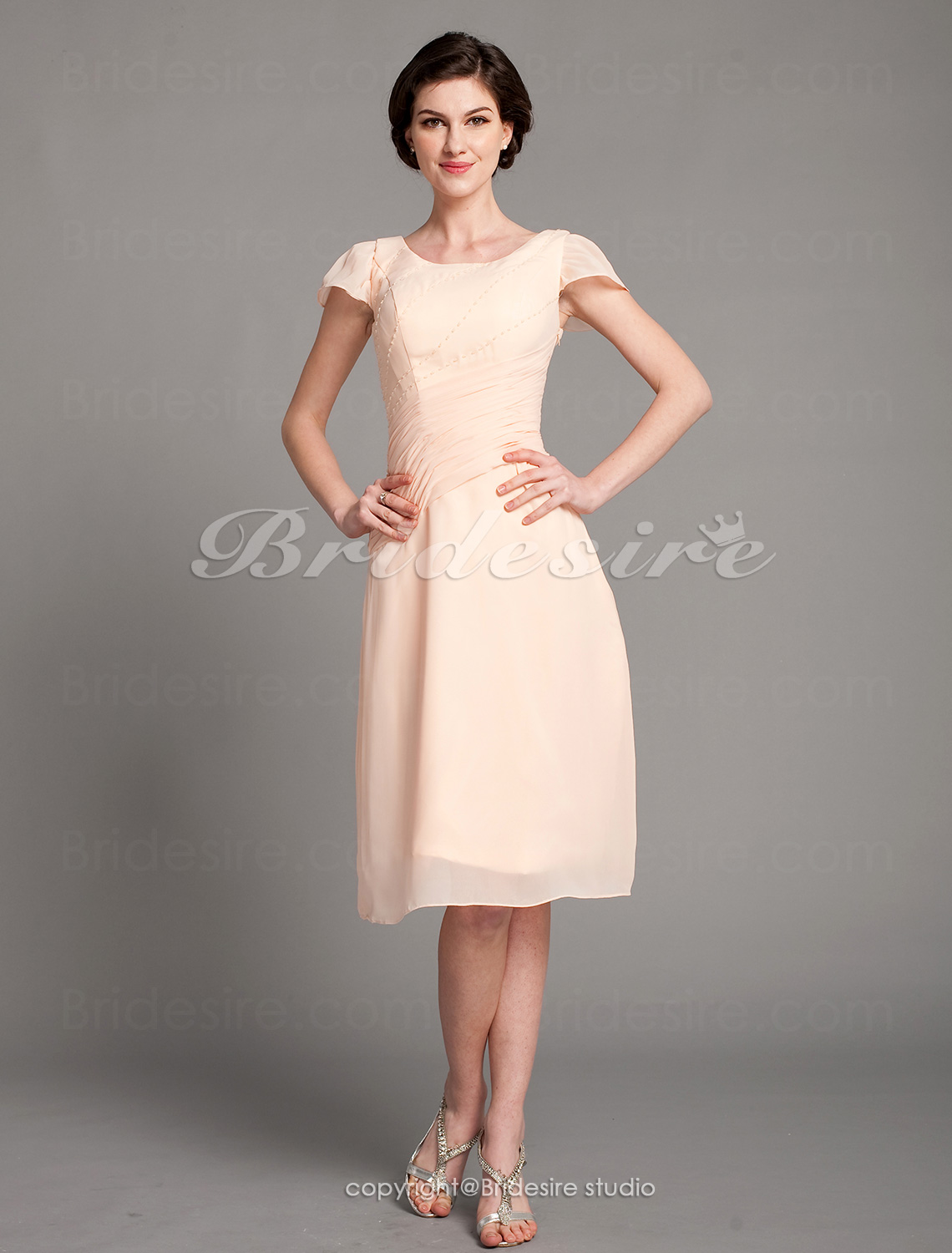 Sheath/ Column Chiffon Knee-length Scoop Mother of the Bride Dre