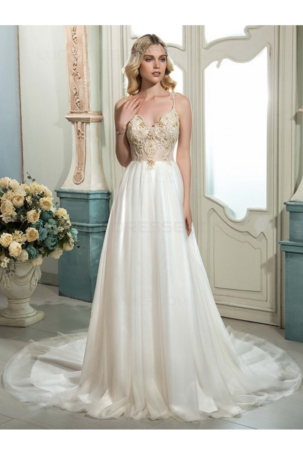 A-line V-neck Sleeveless Tulle Wedding Dress